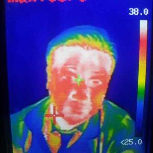 ハンディ型サーモカメラ異常温度画面